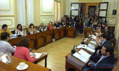El Concejo le puso fin a la polémica por la bandera y ratificó el precio del boleto