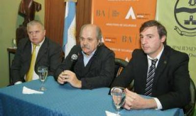 Granados y Luciani firmaron convenio para la puesta en marcha de las Patrullas Comunitarias