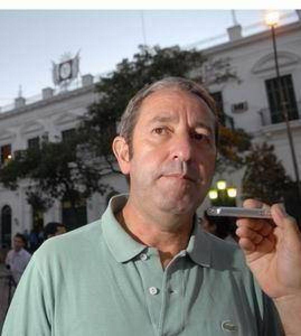 Brizuela del Moral disparó duro contra la oposición