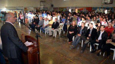 Buzzi lanzó programa de becas para jóvenes emprendedores y trabajadores rurales