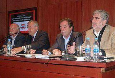 Transparencia: proponen crear una Oficina Anticorrupción para funcionarios