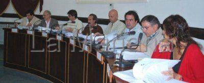 Aprobaron incremento salarial con críticas a Borrego y Sindicato