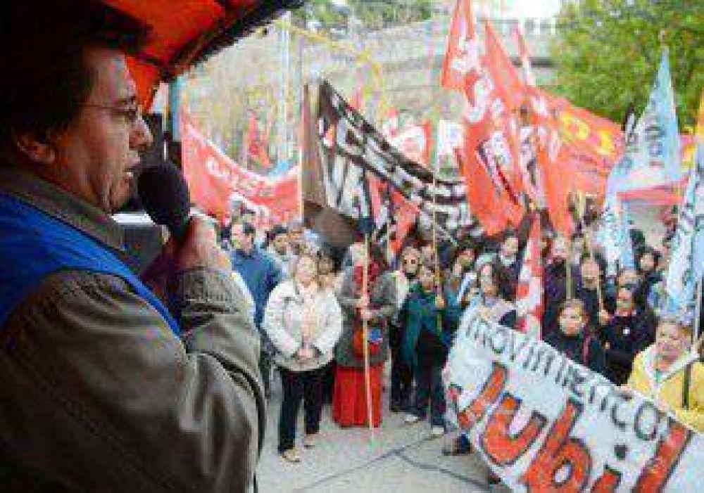 Sin ATE, los gremios marcharon por el Día del Trabajador