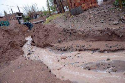 Vecinos de Nueva España otra vez complicados por la lluvia