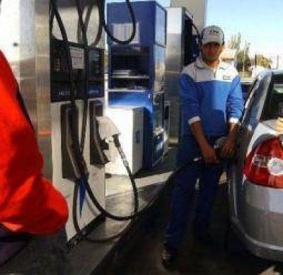 Ya rigen las subas en los combustibles y los pasajes de avión
