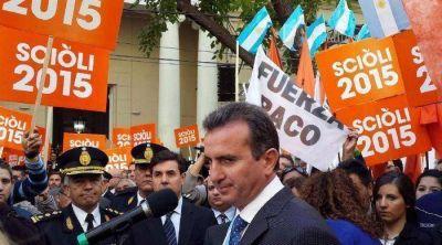Pérez abrió sesiones con pocos anuncios y críticas a la UCR
