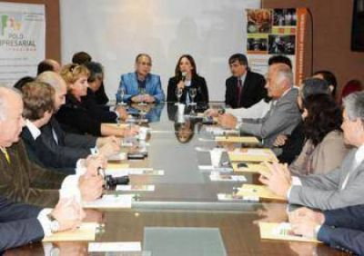 Empresarios locales y regionales recibieron una capacitación en Comercio Exterior