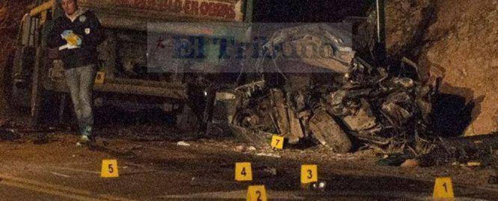 Murió el conductor del vehículo que chocó anoche