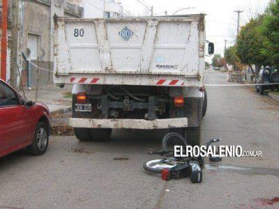 Punta Alta: falleció un joven que chocó un camión de la Municipalidad