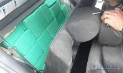 Detuvieron a un gendarme correntino con 150 kilos de cocaína en el interior de un auto