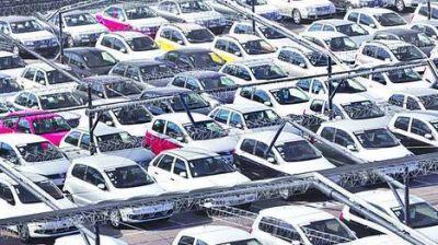 Volvió a derrumbarse en abril la venta de autos: cayó 35%