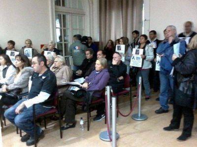 Concejales oficialistas apuntaron contra la actitud �imperdonable� de Pera