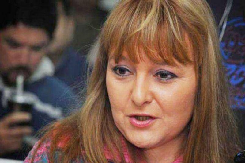 Docentes vuelven al paro y aseguran que la provincia puede mejorar los sueldos