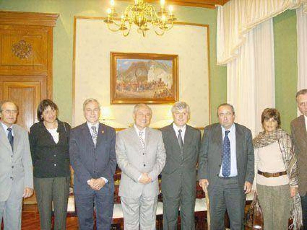 Abogados de la FACA Visitaron al gobernador