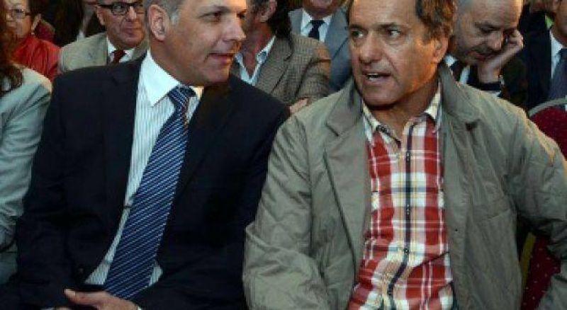Scioli se reúne con el gobernador Buzzi para