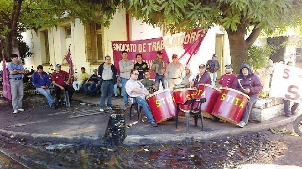 Se intensifica el conflicto en la fábrica de Tanino