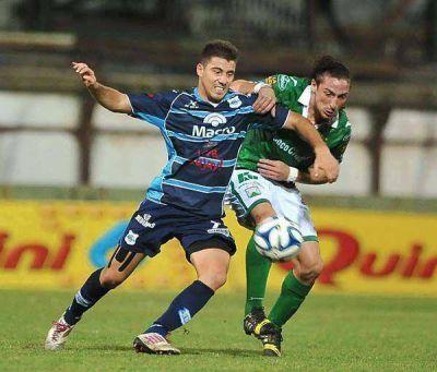 Gimnasia de Jujuy derrotó a Ferro y condenó a Villa San Carlos