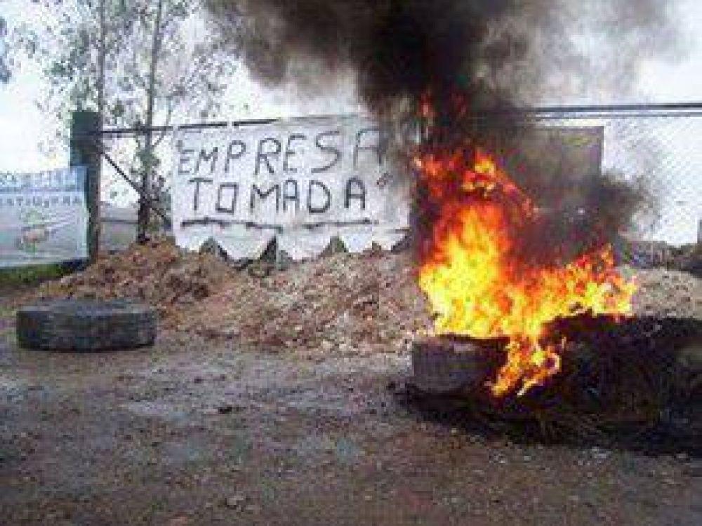 Electroquímica El Carmen: más de 100 días de conflicto marcados por una total indiferencia del Gobierno de Fellner