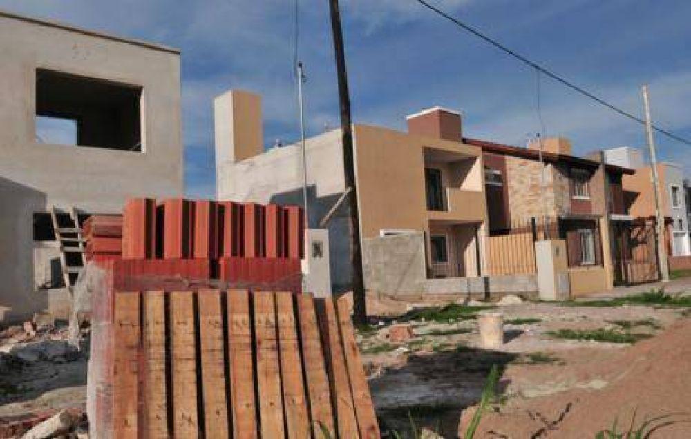 "Uocra le pedirá a De la Sota un ""Compre Córdoba"" para casas"