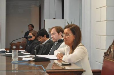 El oficialismo gan� la pulseada y los vetos de Passaglia siguen firmes: la oposici�n no reuni� los 14 votos necesarios