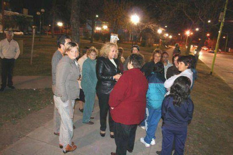 Nuevo espacio público recuperado: Encienden las luces en la plaza 1º de Mayo