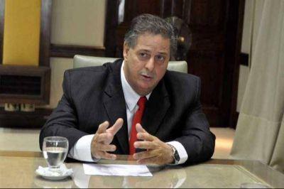 """Para Collia, limitar la reelección de Intendentes """"no contribuye a mejorar la calidad democrática"""""""