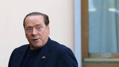 Berlusconi, cara a cara con enfermos de Alzheimer