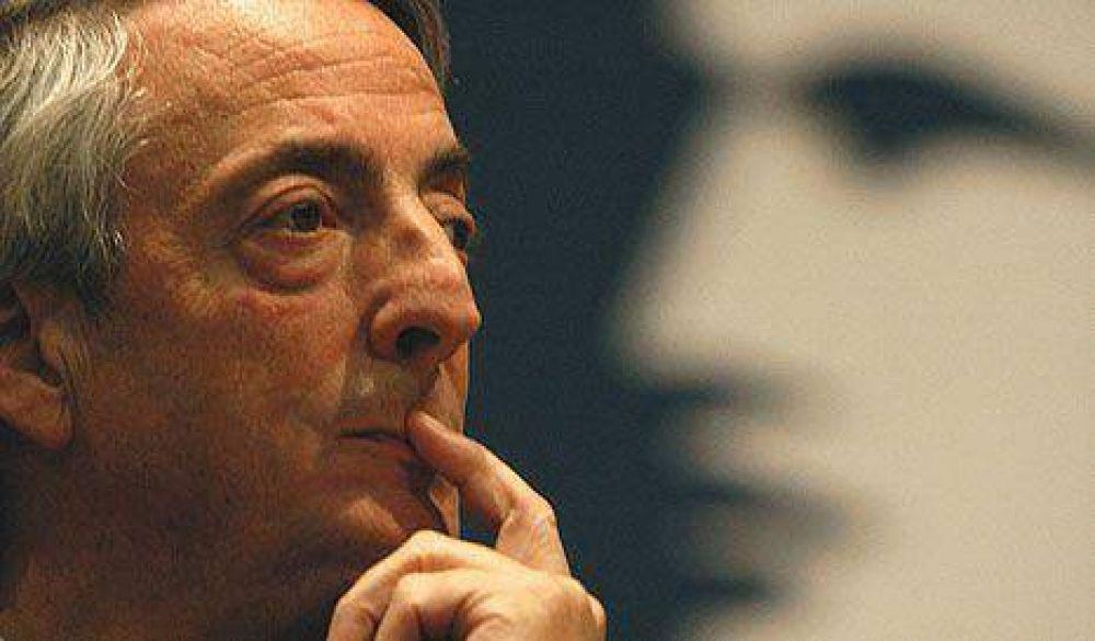 Los pronósticos enojaron a Kirchner, que quiere dar vuelta la tendencia