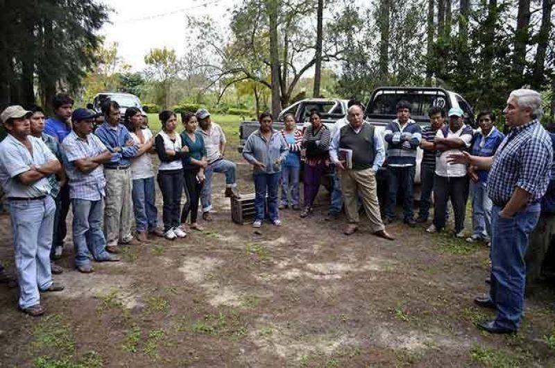 El Intendente se reunió con productores bolivianos y les garantizó la continuidad de su fuente laboral