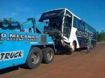 Retiraron el colectivo luego de la tragedia del arroyo Acaraguá