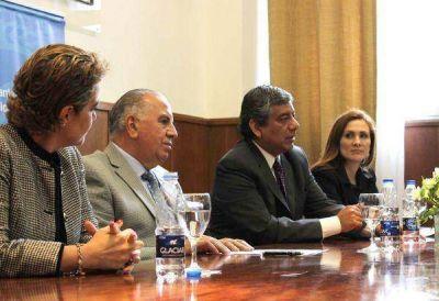Salud: Jujuy recibió equipos para cirugía de cataratas