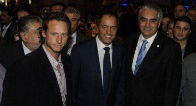 Scioli desaf�� a De la Sota y le ofreci� a Nalbandian ser candidato