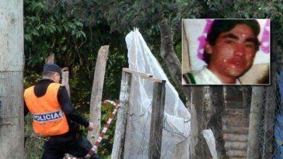 Masacre de Merlo: encuentran una botella con combustible dentro de la vivenda