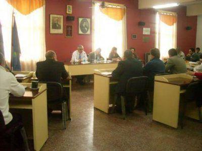 Con sentidos homenajes, sesionó el deliberativo local