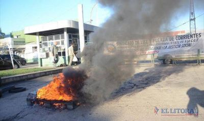 Dpec: siguen las medidas y Colombi acusa patoterismo
