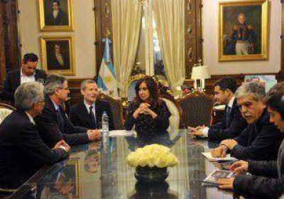 Fuerte respaldo de Sapag a Cristina por YPF-Chevron