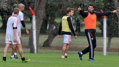 Pellegrino podría repetir el equipo en Victoria
