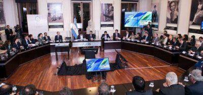 Yerbateros firmaron con Kicillof acuerdos para la cadena de valor