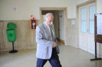 """La UCR habla de una maniobra de oficialistas para garantizarle """"impunidad"""" al fiscal Albaca"""