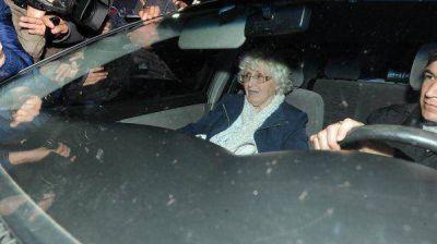 Operan de la cadera a la madre de Cristina Kirchner