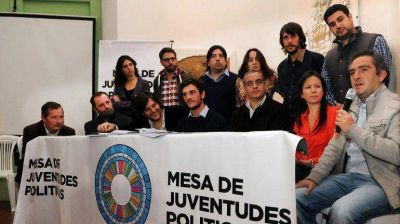 Dirigentes de La C�mpora, el PRO y la UCR, juntos en la lucha contra el consumo de drogas