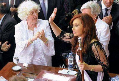 Cristina Kirchner suspendió la actividad oficial por la operación de su madre