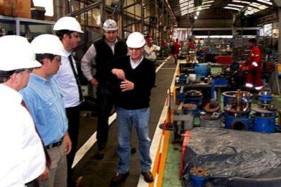 Padula visitó la planta de la multinacional Weatherford