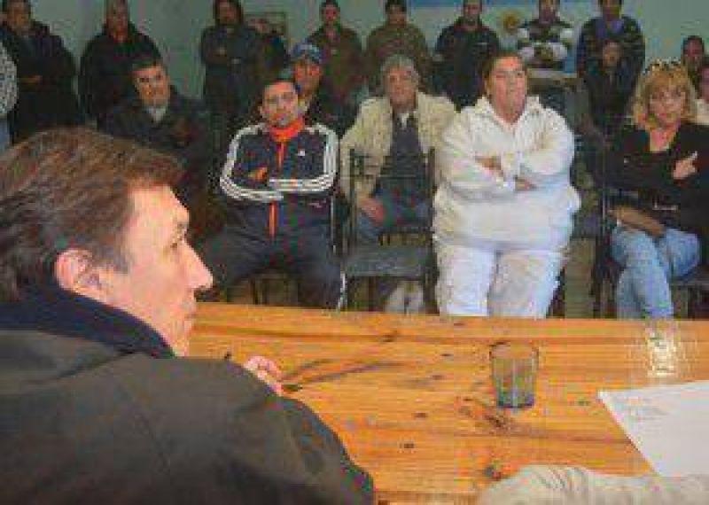 Pesca: paran trabajadores portuarios; Bevilacqua apoya