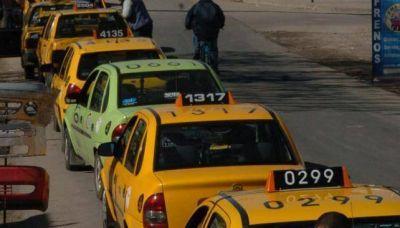 Córdoba: comisión del Concejo aprobó suba de 22,5% en tarifa de remis y taxis
