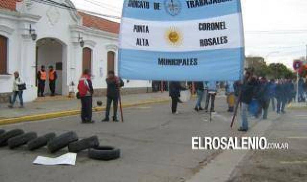 Coronel Rosales: Empleados municipales comenzaron paro