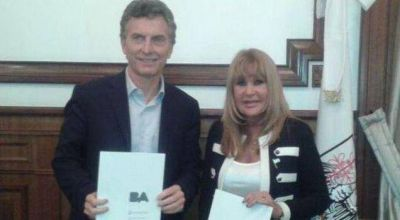Aída Ayala se reunió con Macri y firmó convenios