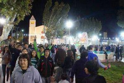 Albard�n: Los vecinos disfrutan a pleno la nueva plaza