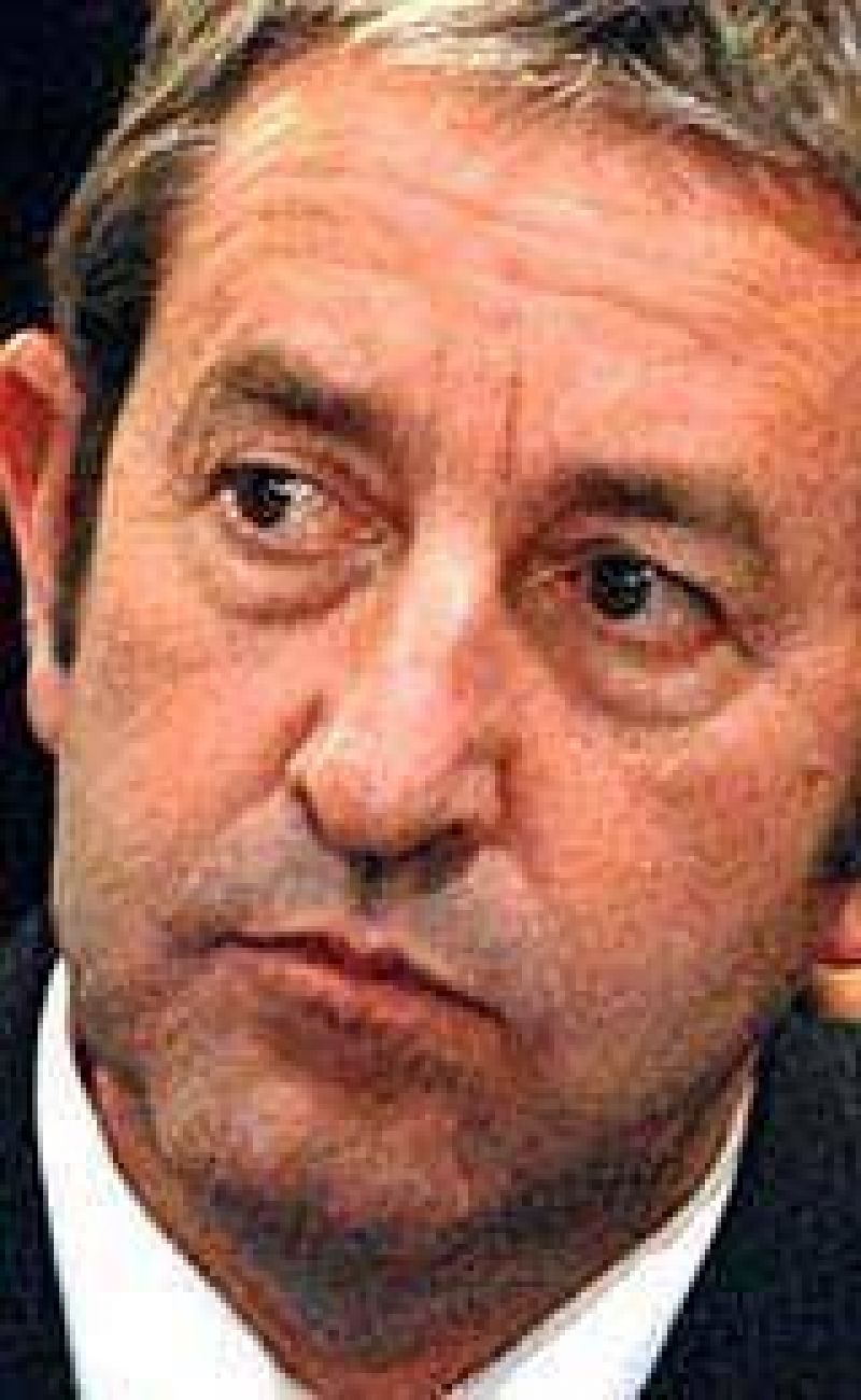"""Cobos habló de """"tomar medidas"""" contra la crisis"""