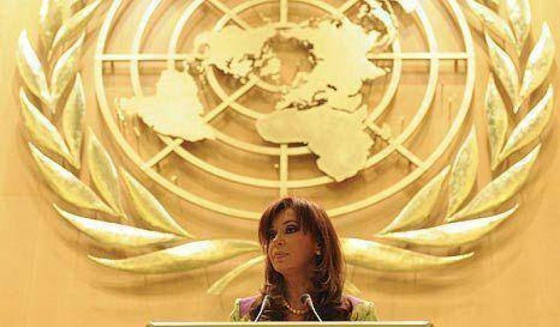 Denuncia penal contra Cristina y dos funcionarios